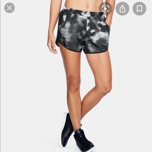 NWT Under Armour Fly By shorts